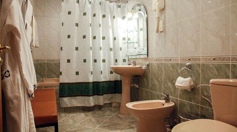 Санузел 2 местного, 1 комнатного, Улучшенного санатория Красные камни. Кисловодск