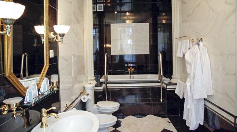 Ванная комната дачи 1 санатория Красные камни. Кисловодск
