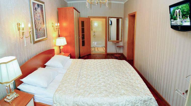 Санаторий Вилла Арнест в Кисловодске. размещение на отдых в 2 местных, 3 комнатных, Апартаментах с террасой
