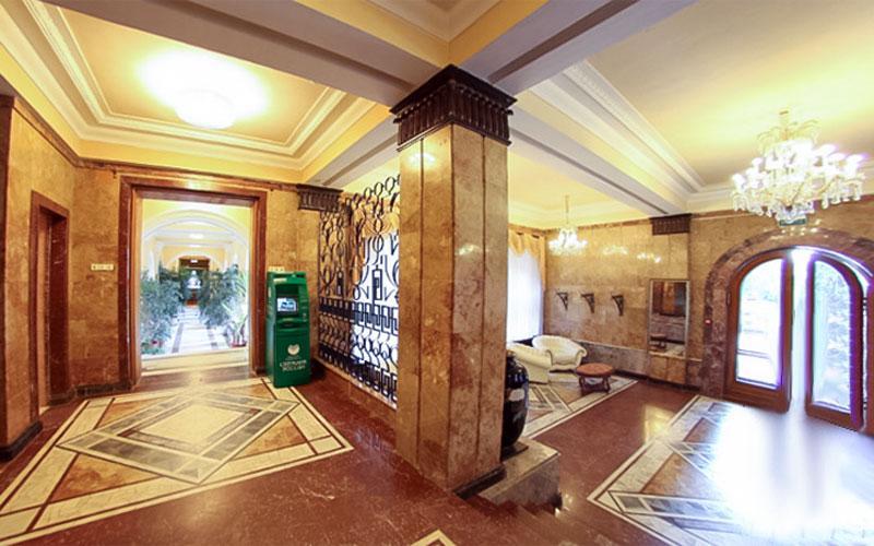 Кисловодск. Общий вид холла в корпусе санатория Красные камни