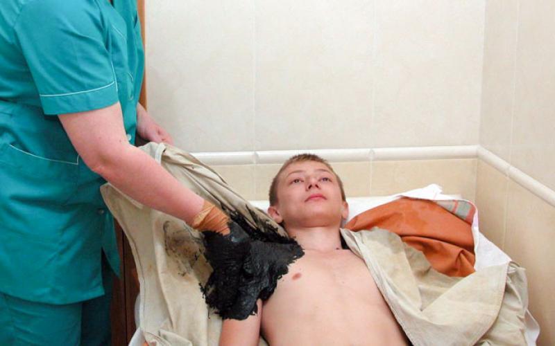 Лечение в санатории Красные камни в Кисловодске. Грязевые аппликации